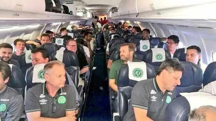 ब्राजिलका फुटबल खेलाडी सवार विमान दुर्घटना
