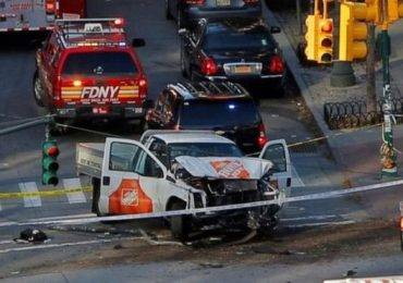 न्यूयोर्कमा ट्रक जोताउँदा '८ को मृत्यु'