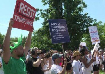 आप्रवासन नीतिविरुद्ध सयौँ शहरमा प्रदर्शन