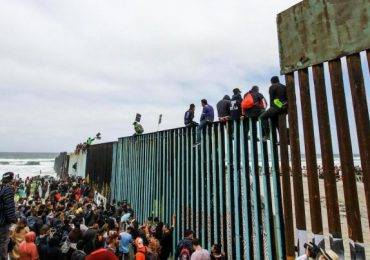 अमेरिकी सीमामा एक महिनामै १ लाख ३० हजार जना पक्राउ