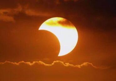 असार ७ गते खण्डग्रास सूर्यग्रहण, राशीअनुसार कसले हेर्न हुन्छ,कसले हुँदैन ?